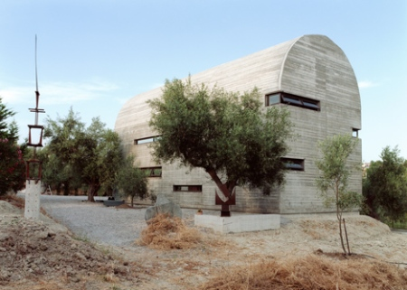 dezeen_Art-Warehouse-in-Boeotia-by-A31-Architecture_2